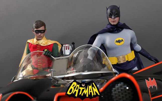 Hot-Toys-12-Batman-66-Action-Figures